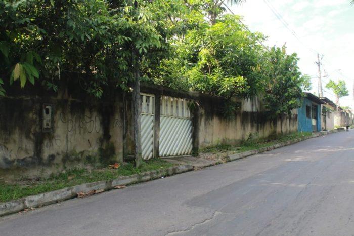 Em Manaus, homem é encontrado morto a facadas dentro de casa