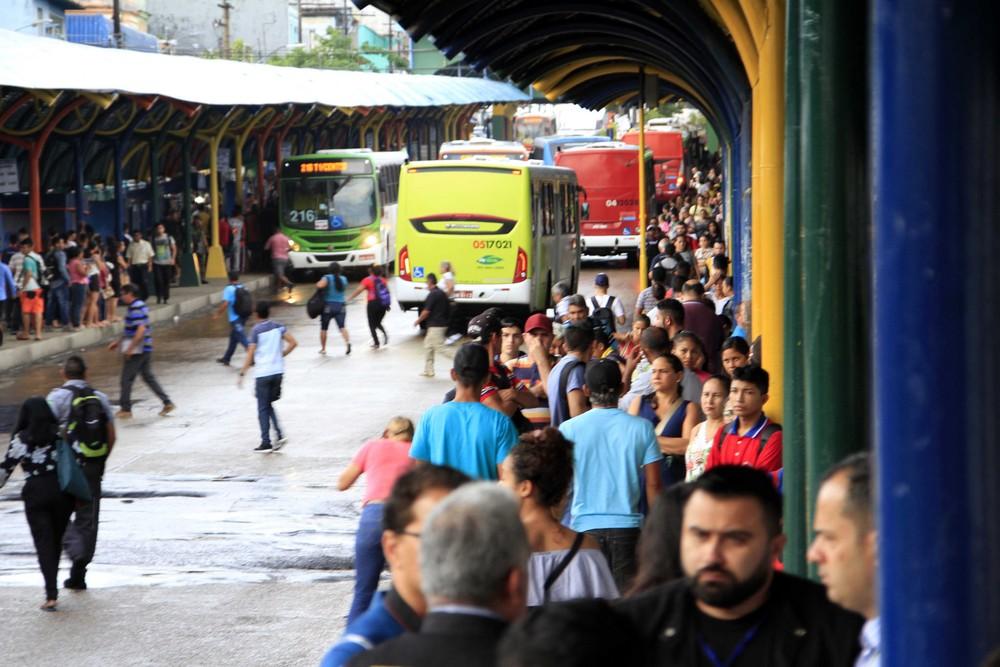Seis linhas de ônibus serão alteradas a partir de domingo(30)