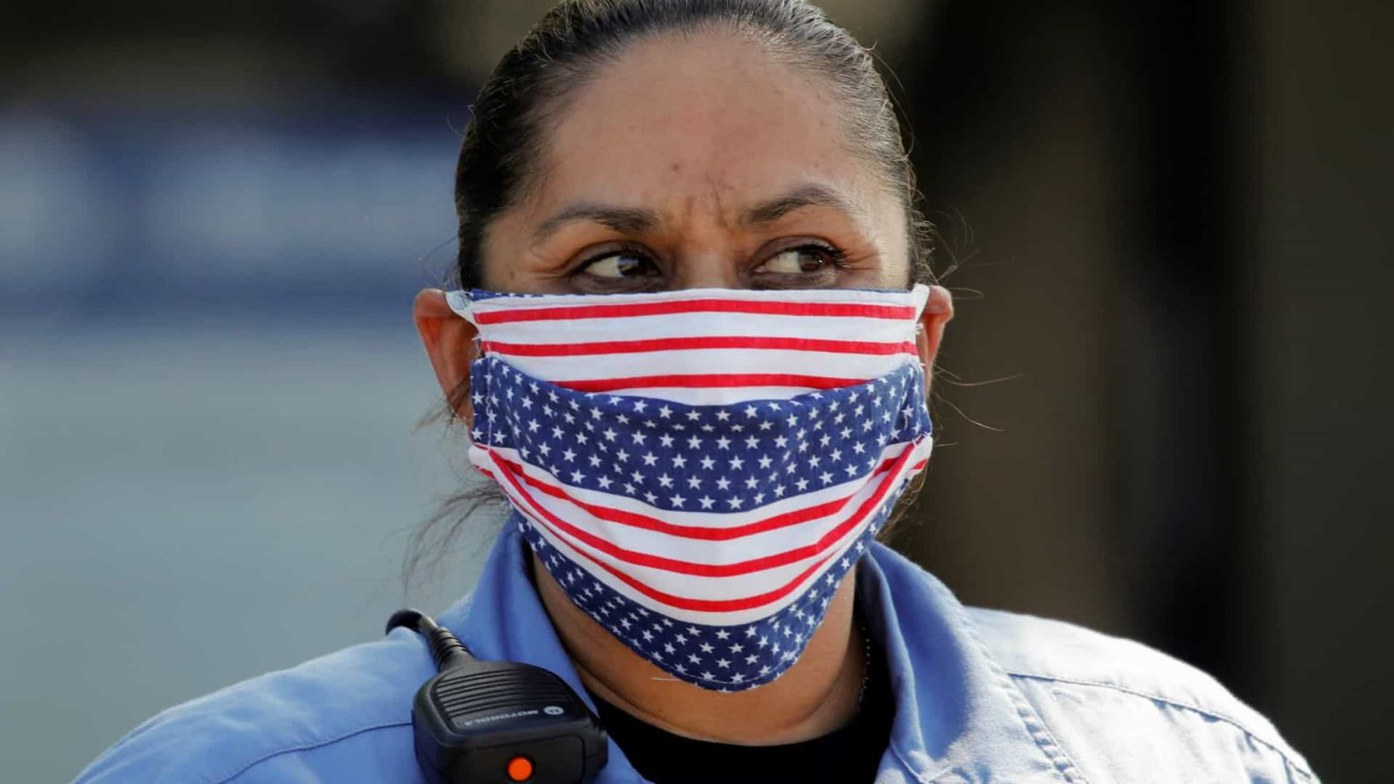 EUA passam a recomendar máscara de pano a todos os americanos