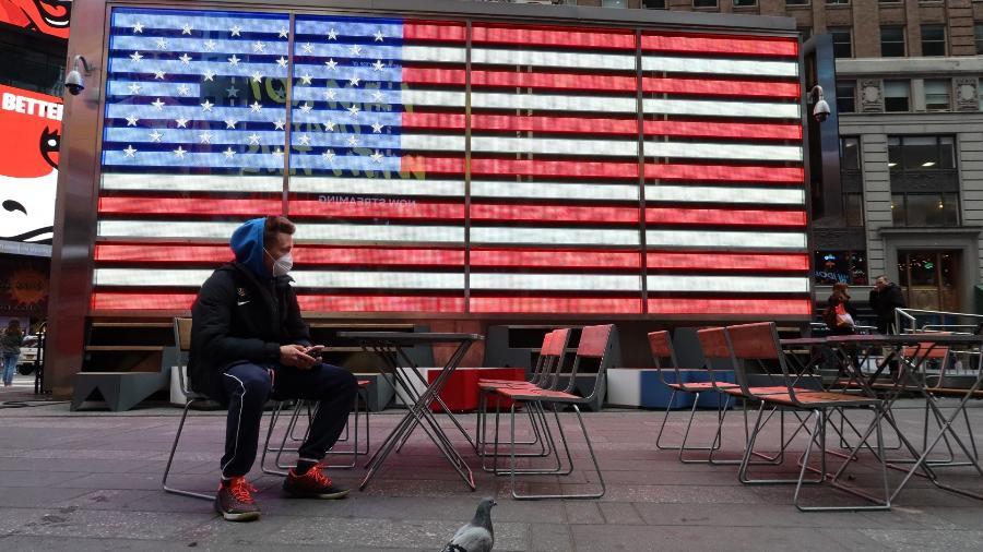Com 2.333 mortes em 24 horas, EUA registra aumento de óbitos por covid-19