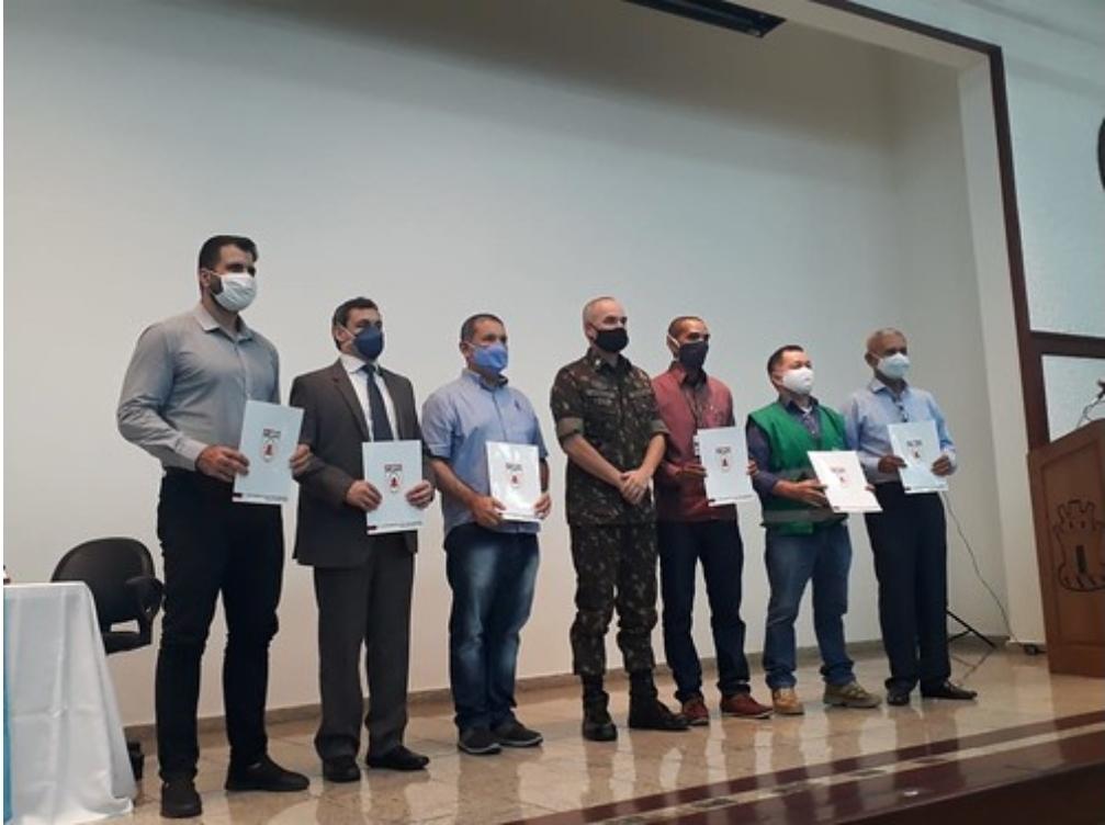 Prefeitura pede apoio do Exército no combate às queimadas urbanas