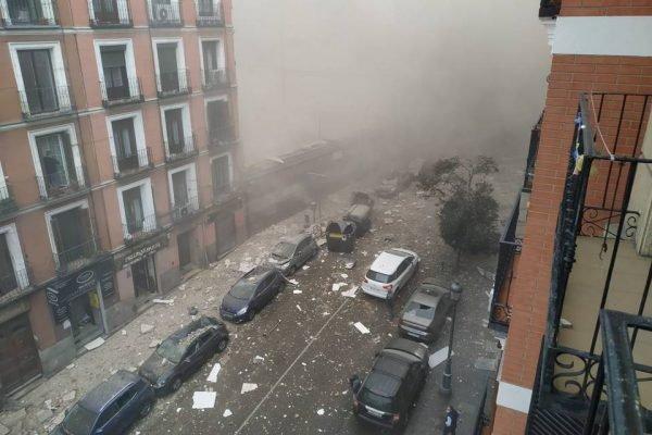 Forte explosão atinge prédio no centro de Madri; há mortos e feridos.