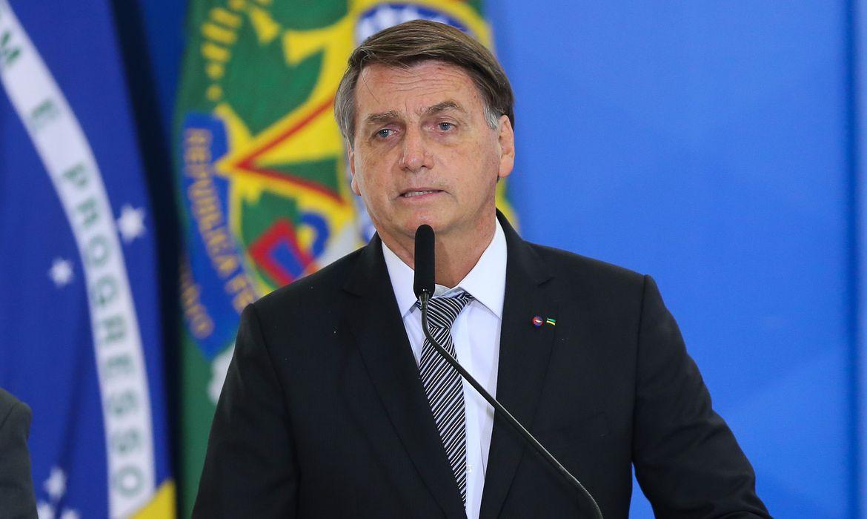 TSE investiga ataques de Bolsonaro às urnas e pede para STF apurar 'fake news'