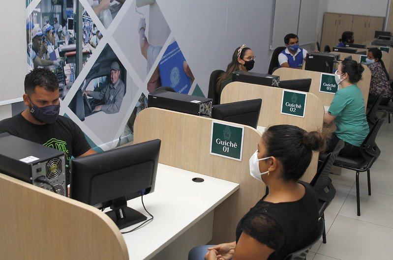 Evento lança 'Bolsa Qualificação' com 500 vagas gratuitas de desenvolvimento profissional