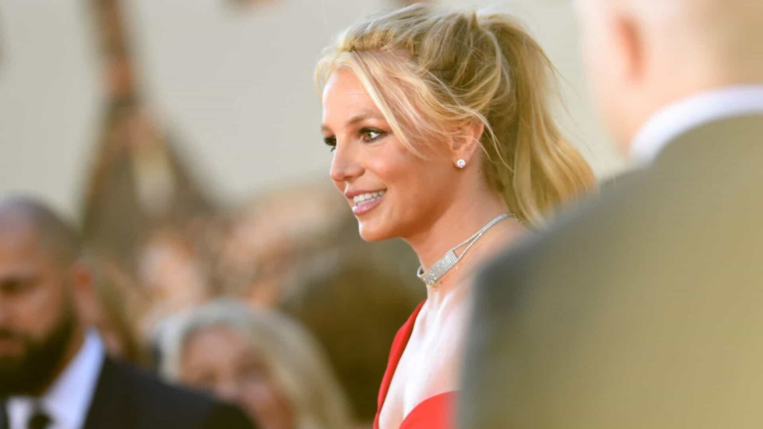 Pai de Britney Spears diz que ela tem demência para justificar tutela