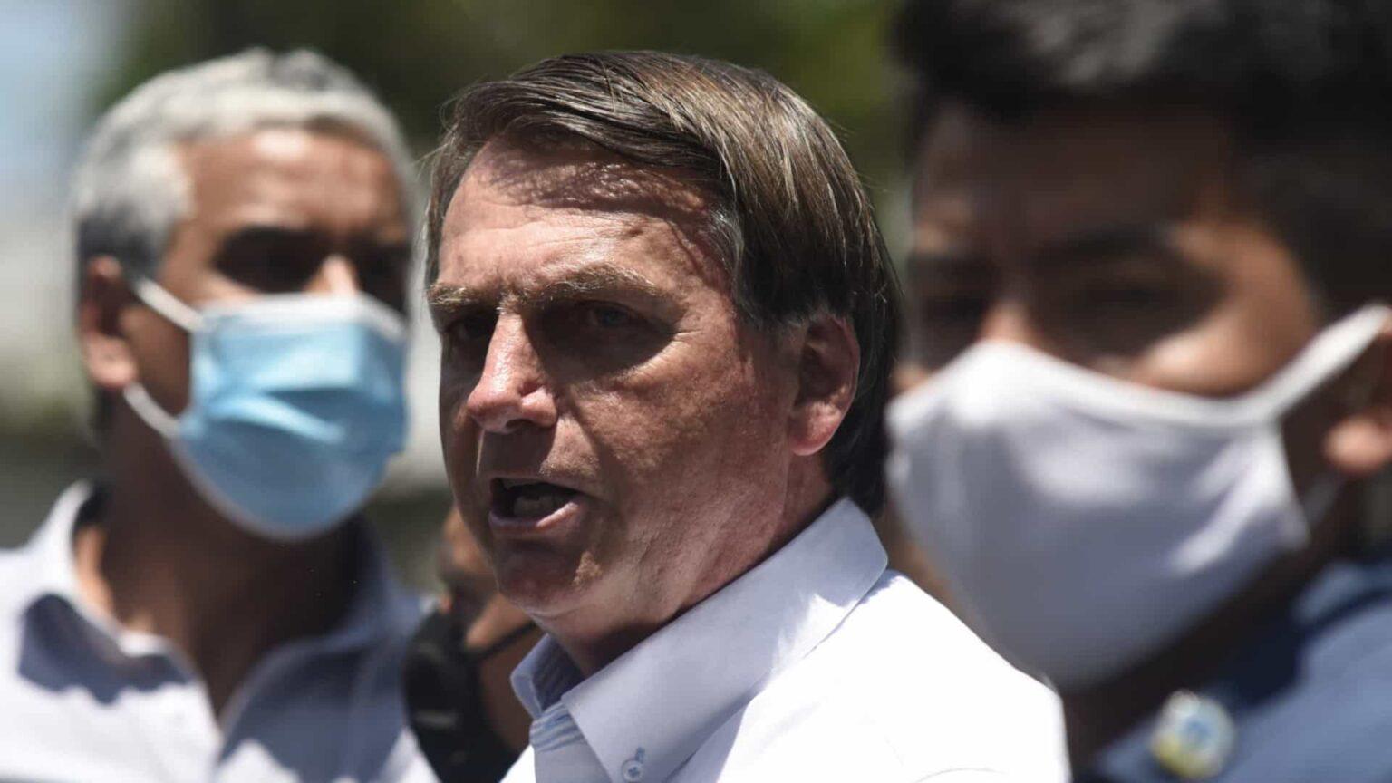 Bolsonaro nega corrupção e diz que 'faltava um zero' em contrato com Covaxin