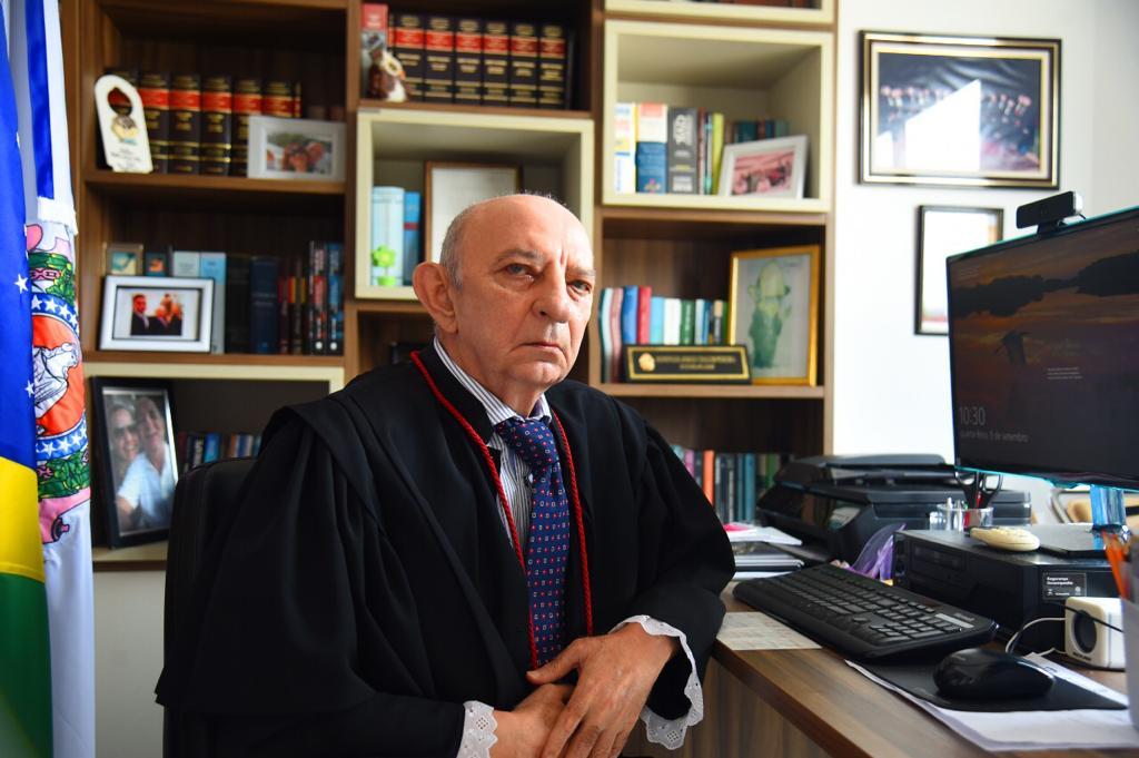 Chalub assina nomeação de três novos juízes para o Tribunal de Justiça do Amazonas