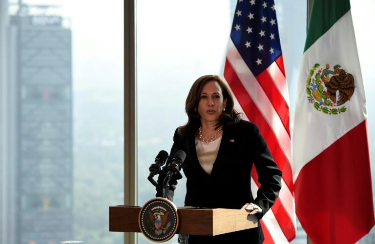 """Kamala Harris pede ao Senado que aprove uma lei para dar cidadania a """"dreamers"""""""