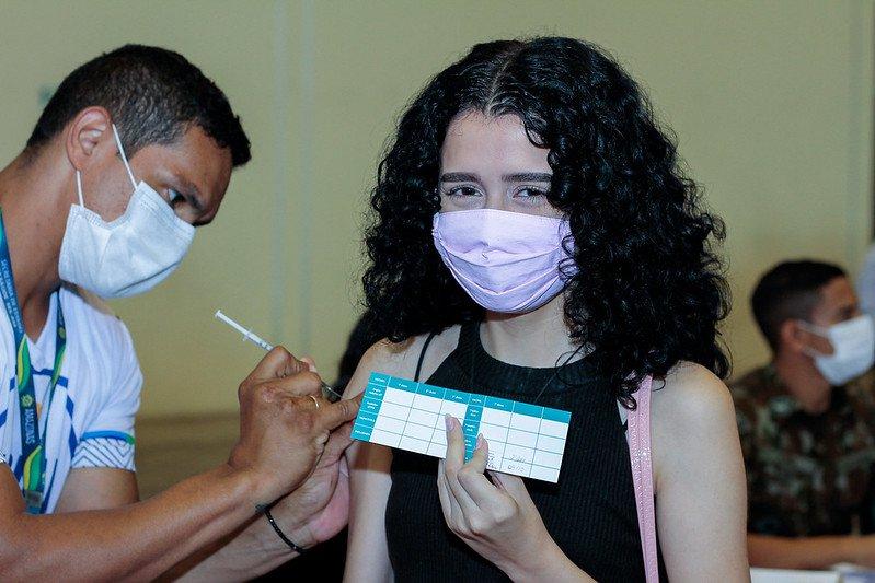 Vacinação contra a Covid-19 é intensificada em 15 pontos de atendimento nesta quarta-feira