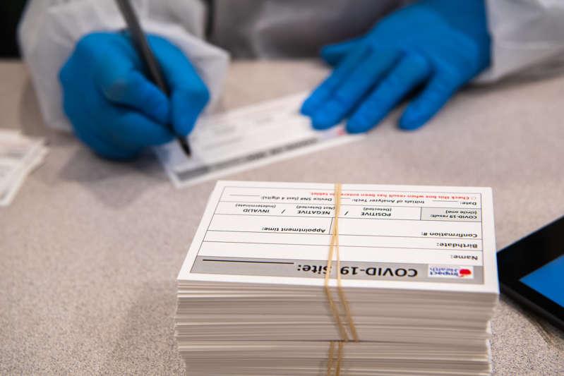 EUA impõem restrições aos não vacinados