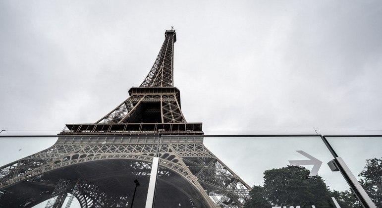 França libera entrada de turistas brasileiros totalmente vacinados