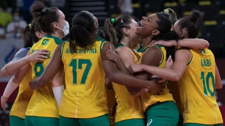 Brasil vira sobre russas, faz 3 a 1 e está na semifinal do vôlei feminino