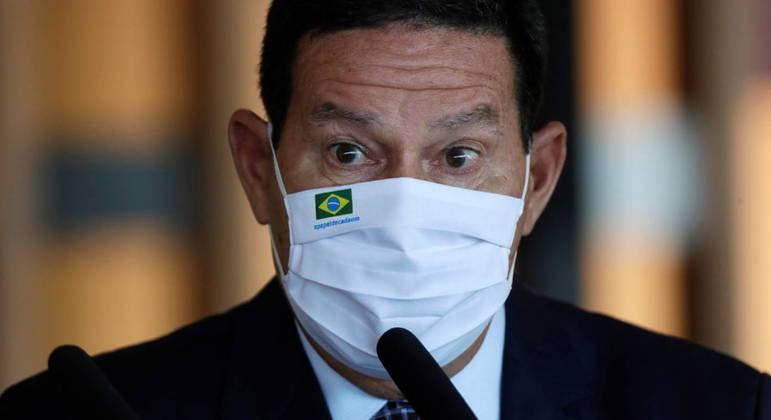 Mourão nega renúncia e diz que segue no governo 'até o fim'