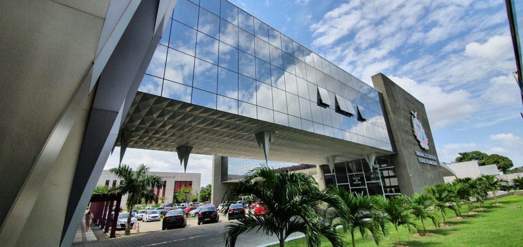 TCE-AM nomeia 20 servidores aprovados em concurso público