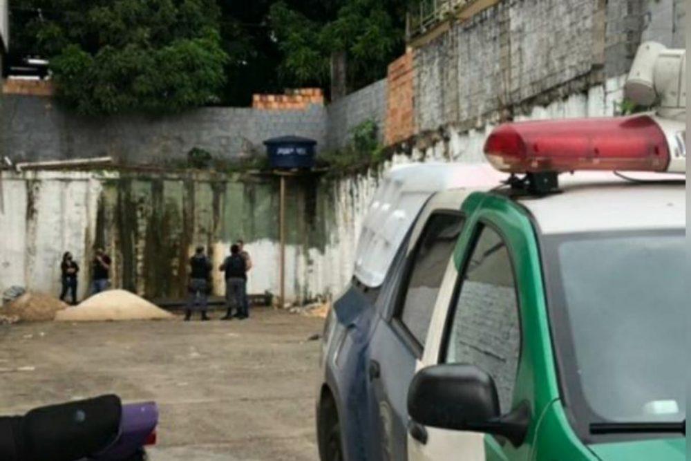 Vídeo: Mulher é estuprada e morta a pauladas em um estacionamento na Zona Leste