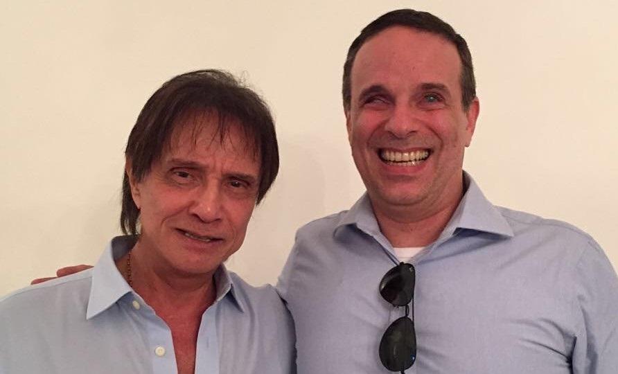 Assessor revela que Roberto Carlos realizou o último desejo do filho Dudu Braga: 'Está destruído'