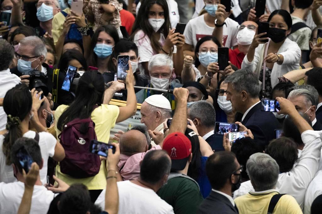 Papa vai à Hungria de olho em escalada do autoritarismo na região