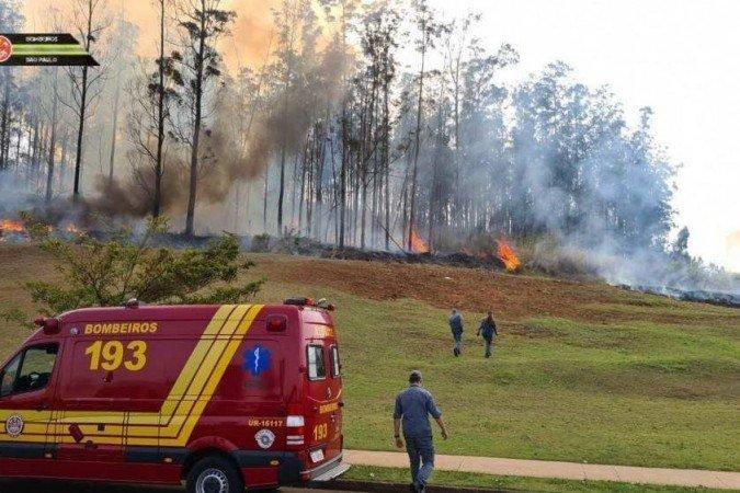 Pelo menos sete pessoas morrem em queda de avião em Piracicaba