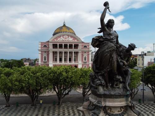 Exposição faz retrospectiva dos 125 anos do Teatro Amazonas