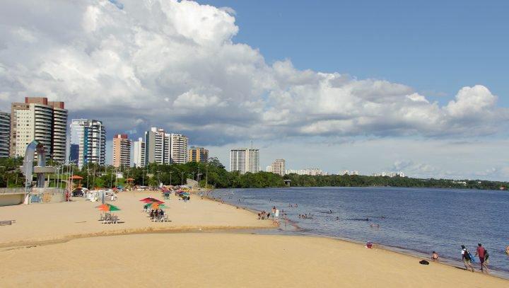 Praia da Ponta Negra poderá ser liberada aos sábados