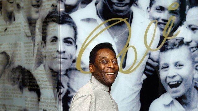 """Pelé diz que se sente melhor a cada dia; boletim médico relata """"recuperação satisfatória"""""""