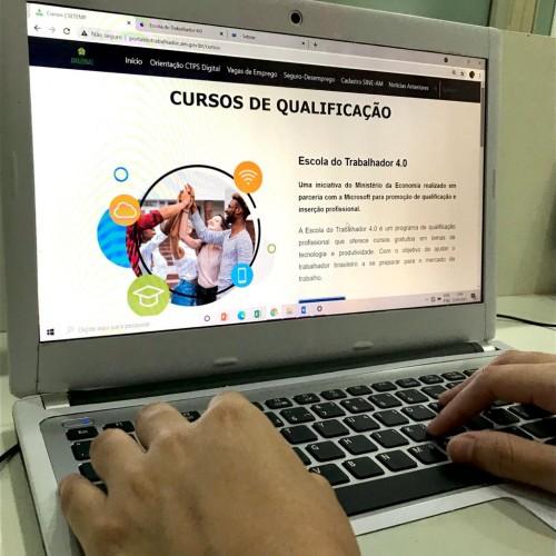 Mais de 50 cursos de qualificação on-line na área de tecnologia são oferecidos no Amazonas