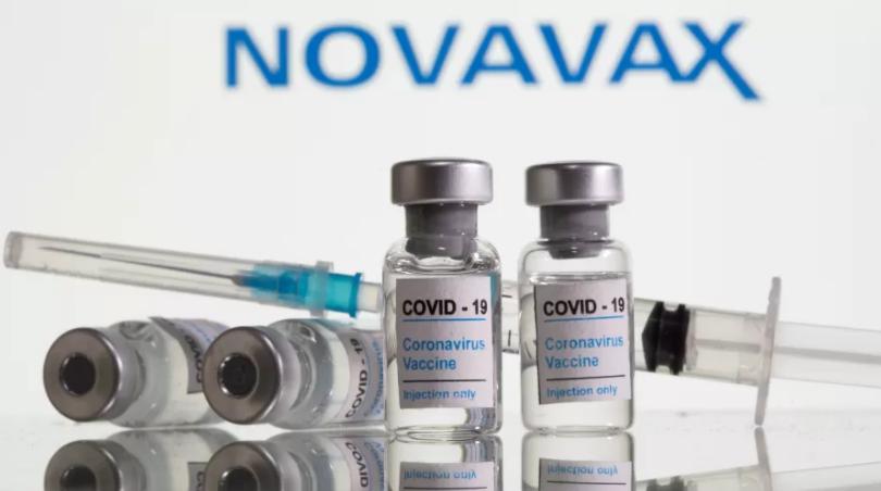 Farmacêutica inicia teste de vacina única contra a covid-19 e a gripe