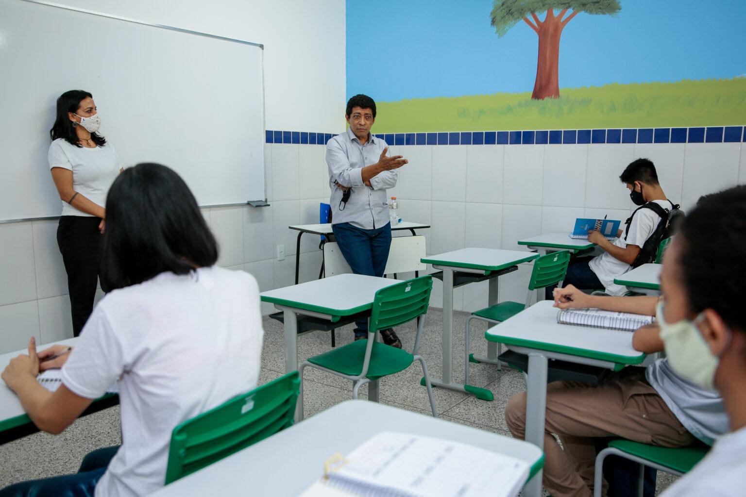 Servidores da Educação de Manaus terão reajuste de 11,13%
