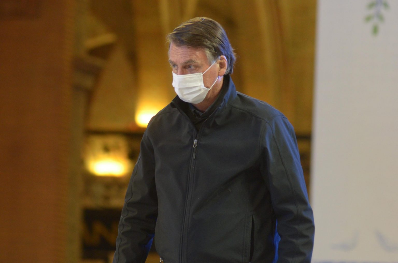 'Decidi não me vacinar contra covid', diz Bolsonaro, contrariando autoridades