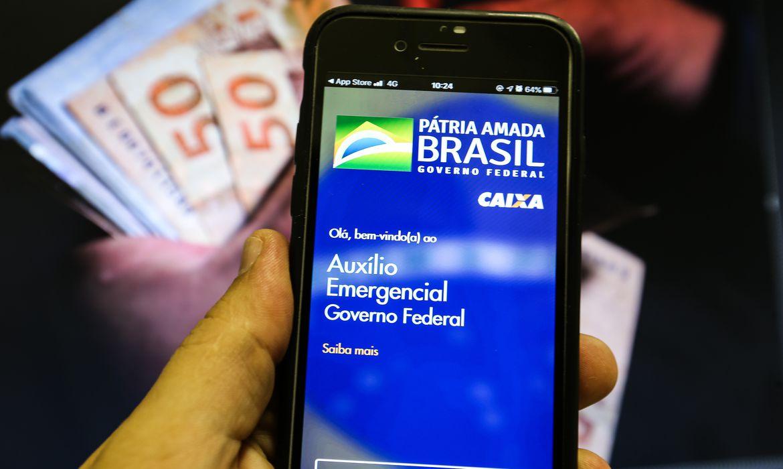 Governo notifica 627 mil pessoas a devolver auxílio emergencial