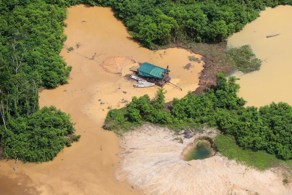 Rio Parima: É encontrado corpo de uma das crianças Yanomami afogadas em área de garimpo ilegal