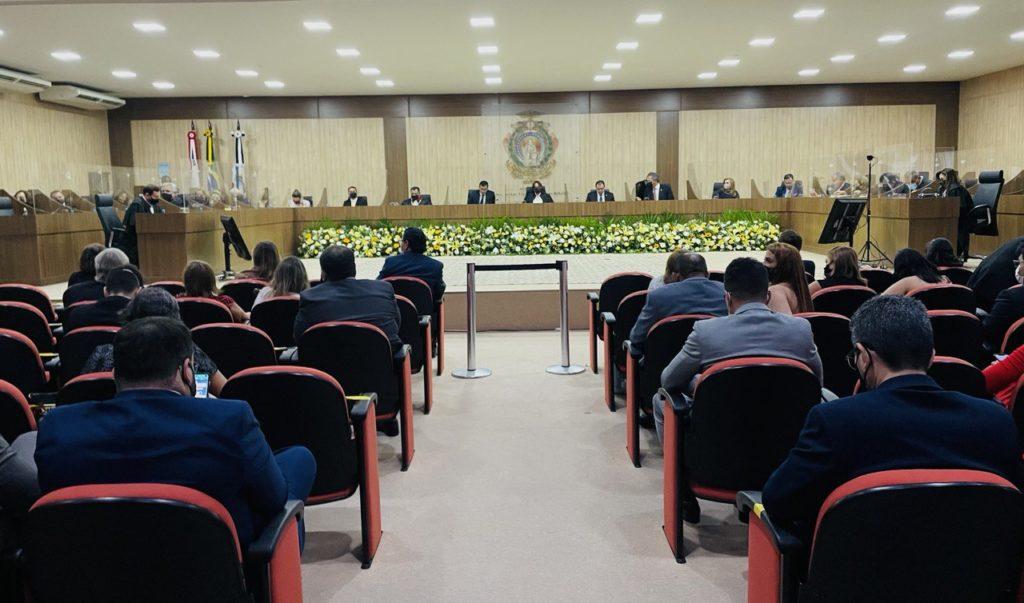 TCE-AM prestigia posse de desembargadores do Tribunal de Justiça